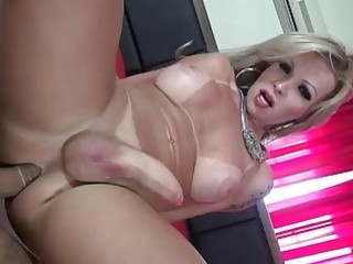 Blonde experienced shemale Carla Novaes gets ass fucked in POV
