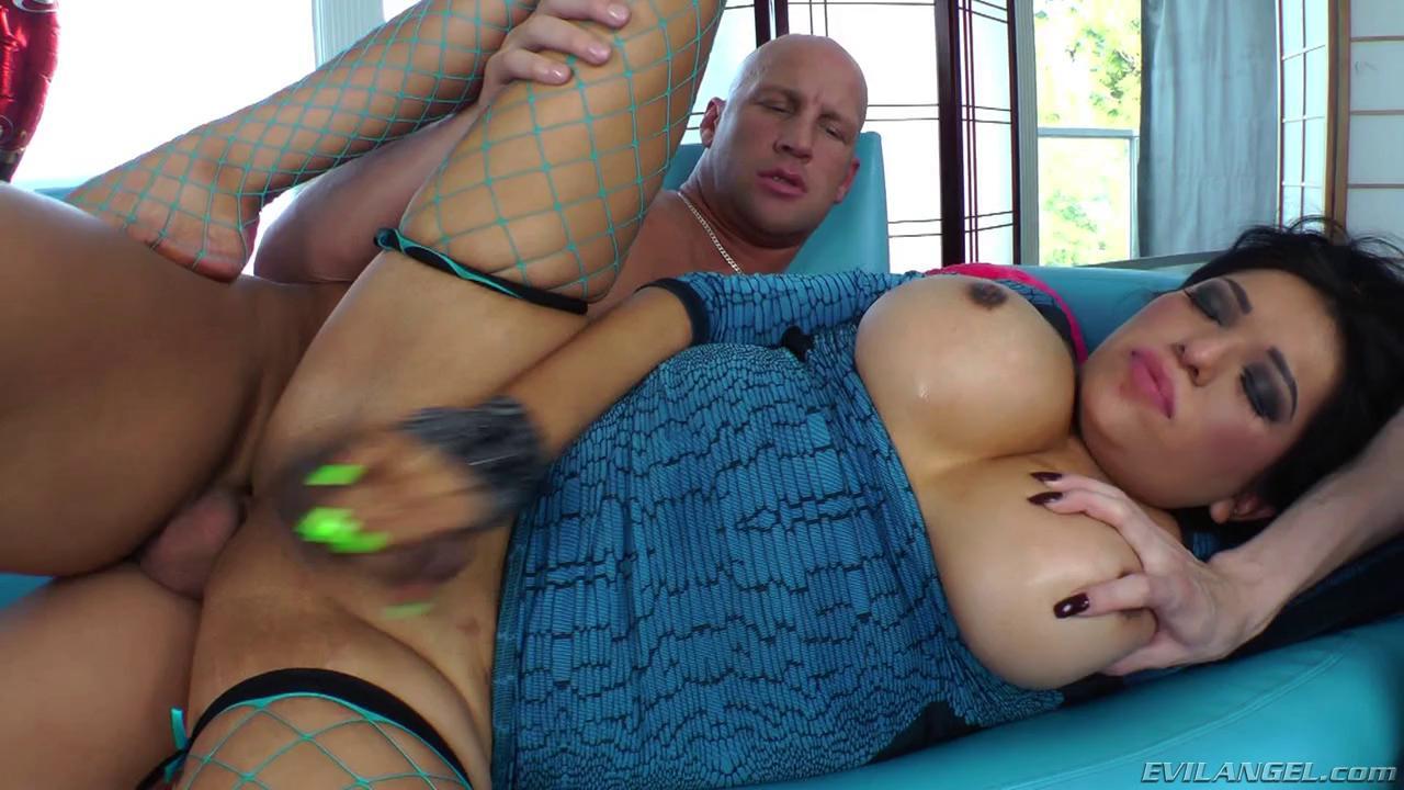 Guy Girl Shemale Threesome