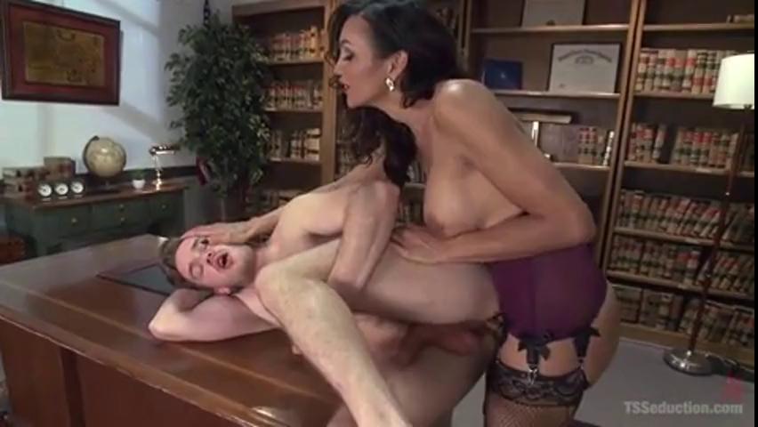 Latina Tranny Fucks Girl